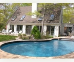 EAST HAMPTON 4 BEDROOM WITH HEATED POOL -