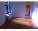 Sunny Studio Apt in 24 Hour Door man Elevator Bldg*Theater District