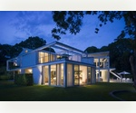 METROPOLITAN HOME IN EAST HAMPTON'S GEORGICA.....