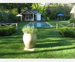 EAST HAMPTON NORTH WITH 4 BEDROOMS, POOL & COTTAGE