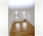West Village – Studio apartment with balcony now available for $2,595